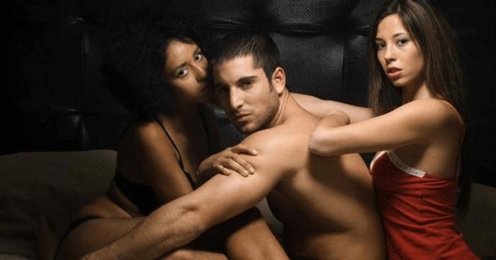 trio durante o sexo a tres