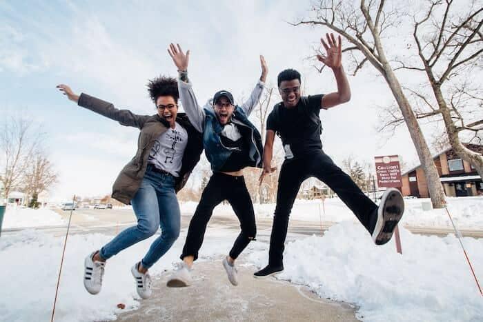12 sites e apps para fazer amigos e conhecer pessoas